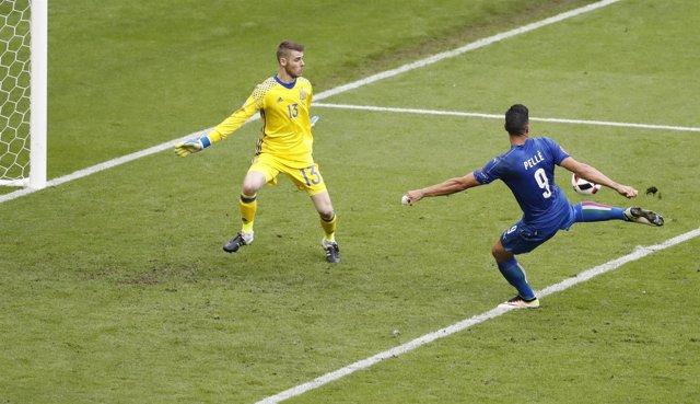 Pelle bate a De Gea en los octavos de final de la Eurocopa de Francia