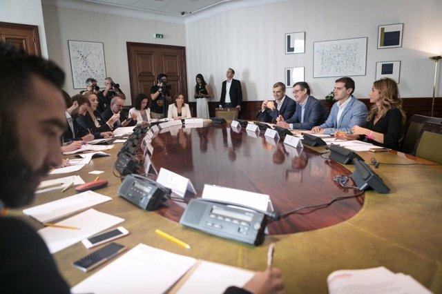 Reunión de Albert Rivera con organizaciones que luchan contra la corrupción
