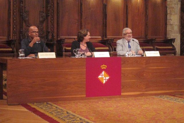 Miquel Àngel Essomba, Ada Colau y Joan Manuel del Pozo