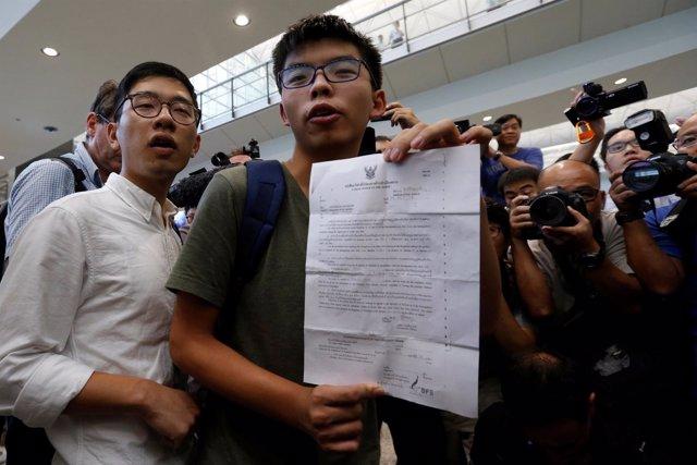 El activista Joshua Wong llega a Hong Kong tras ser deportado de Tailandia
