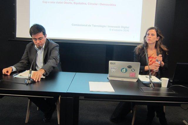 El teniente de alcalde Gerardo Pisarello y la comisionada Francesca Bria