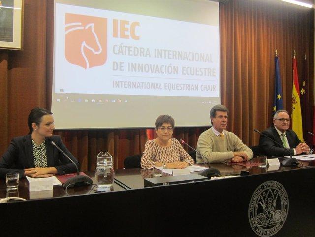 Isabel Hernández, Francisca Tomás, Cayetano Martínez de Irujo y Antonio Rouco