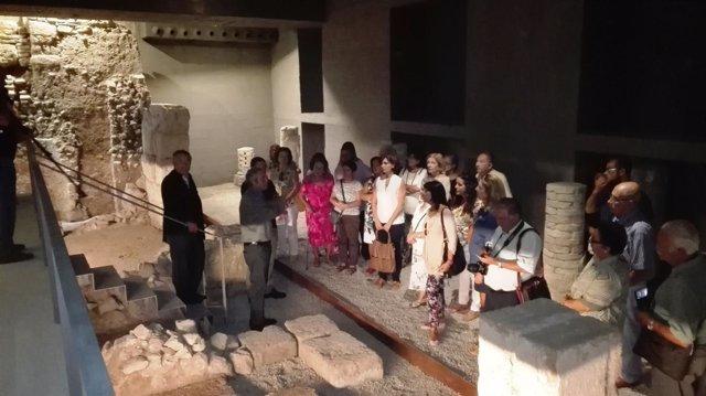 Visita a la cripta del Patio de Banderas de Sevilla