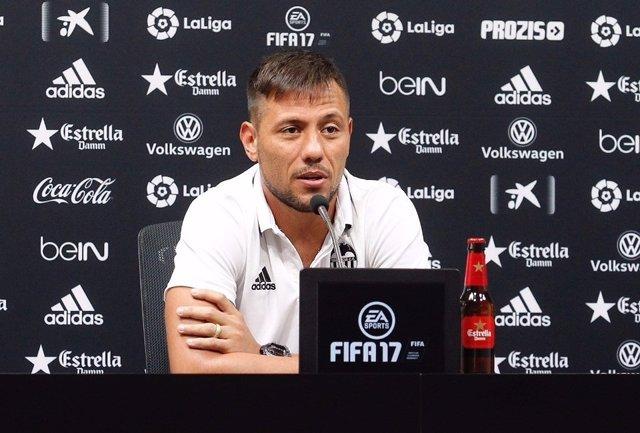 Diego Alves en rueda de prensa