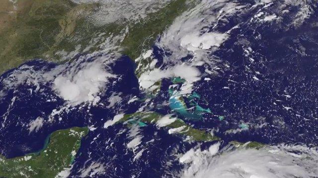 El huracán 'Matthew' se intensifica hacia Florida