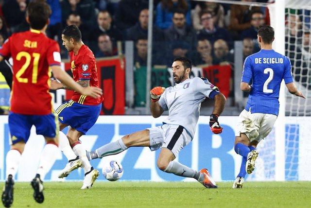 España empata con Italia en el Juventus Stadium
