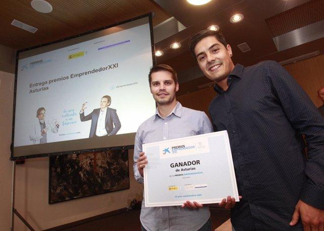 Propietarios empresa CuiCui galardonados con el premio Emprendedor XXI