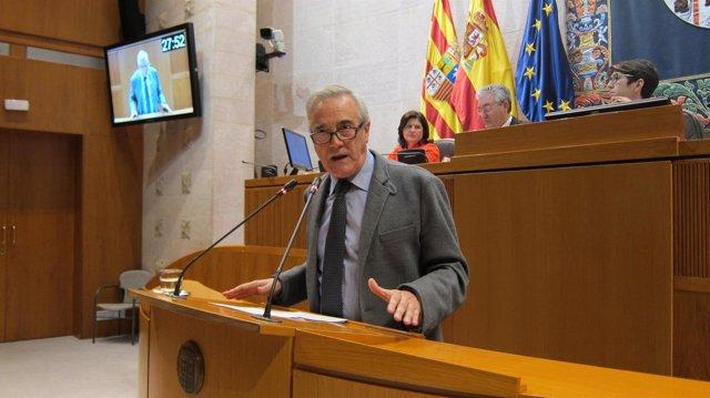 Javier Sada (PSOE) en su intervención en el Debate sobre Estado de la Comunidad