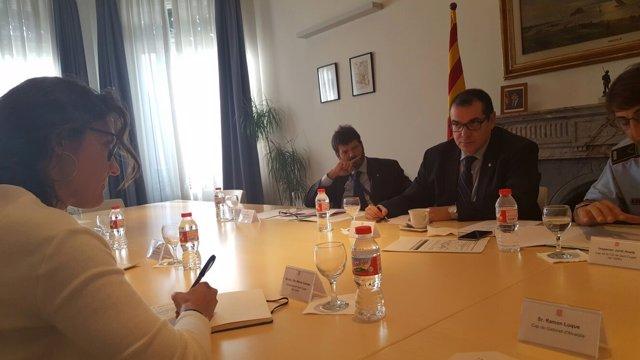 La alcaldesa M.Conesa con el conseller J.Jané y el dtor.De Mossos A.Batlle