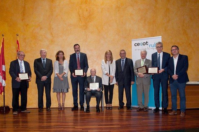 Momento de la entrega de distinciones en el décimo aniversario de Cecot-Rubí