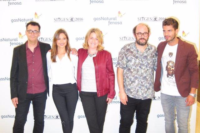 Las estrellas Borja Cobeaga, Maxi Iglesias, Michelle Jenner, Adenai Perez