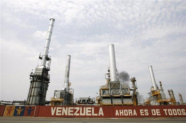 Imagen de archivo de la refinería El Palito en Puerto Cabello, Venezuela, sep 23
