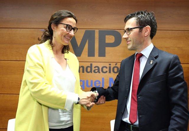 Mercè Conesa (Diputación) y Albert Serra (Fund.Miquel Martí Pol)