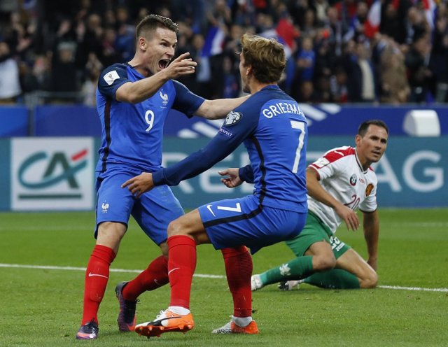 Antoine Griezmann y Kevin Gameiro celebran un triunfo con Francia