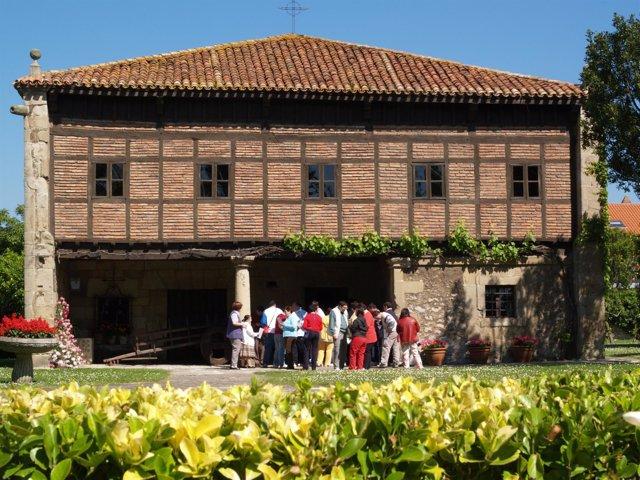Museo Etnográfico De Cantabria-Casa Velarde, En Muriedas