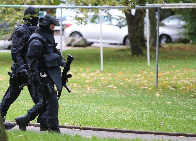 Policías alemanas en Chemnitz, Alemania