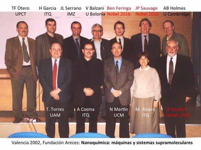 El catedrático de la UPCT, primero por la izquierda, con los ahora premiados
