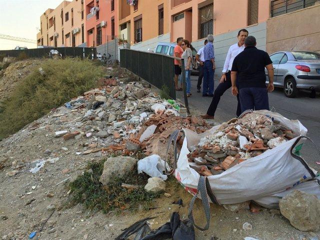 Visita del PSOE al barrio de San Cristóbal de Almería