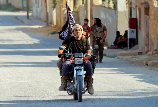 Un miliciano del grupo yihadista Jund Al Aqsa (Soldados de Al Aqsa)