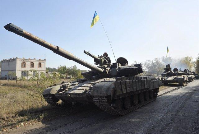 Tanques del Ejército ucraniano en Lugansk