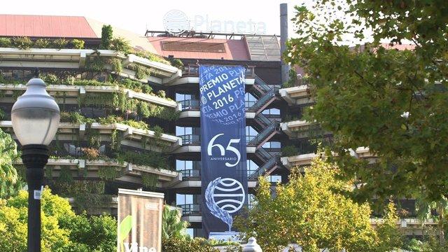 Lona por el 65 aniversario del Premio Planeta