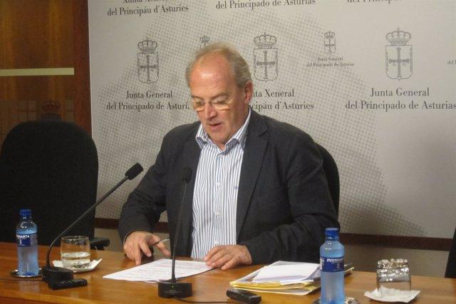 El Diputado Regional Del Partido Popular, José Agustín Cuervas-Mons.
