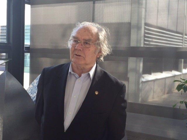 Adolfo Pérez Esquivel, Premio Nobel de la Paz en 1980, en un acto en Valencia