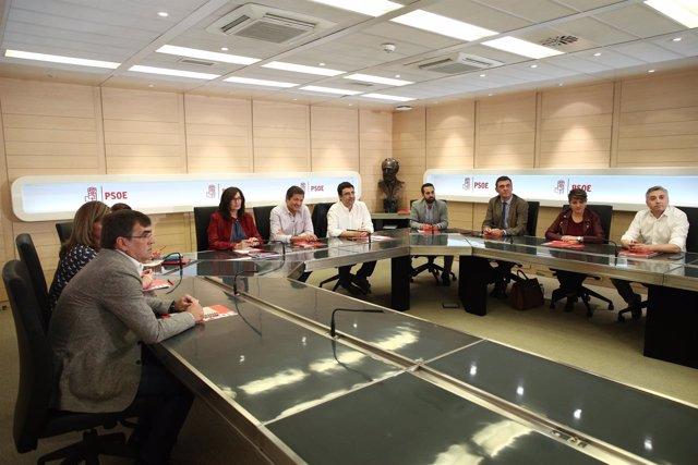 Javier Fernández preside la reunión de la gestora del PSOE