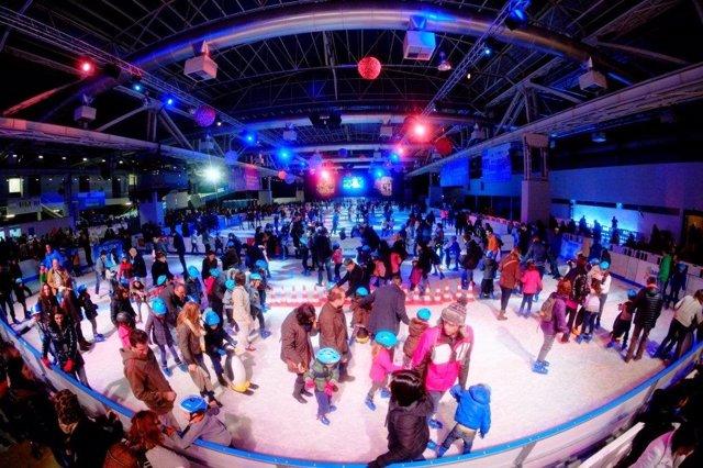 La pista de hielo 'Bargelona' en L'Hospitalet en 2015