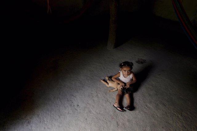 Niña en Honduras, pobreza, infancia