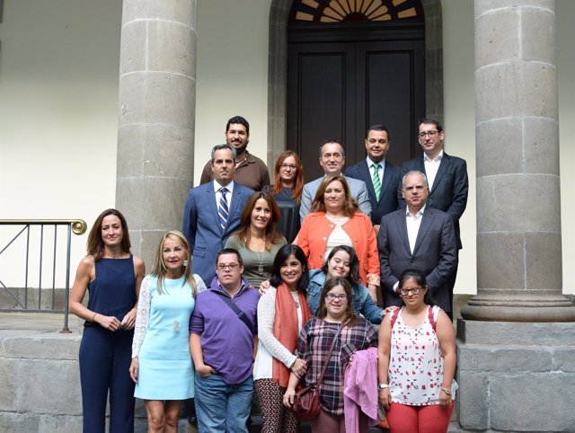 Visita de la asociación al Parlamento