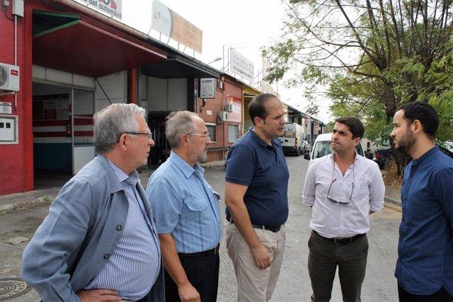 Rojas con los empresarios de los polígonos.