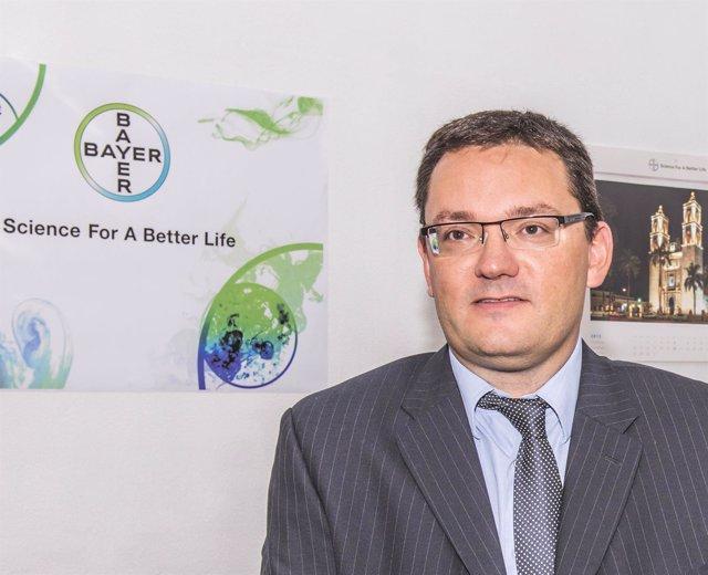 Doctor Jorge Alvarez, de Bayer