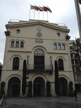 Fachada del Ayuntamiento de Badalona