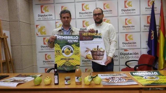 El delegado de Agricultura (dcha.) y el alcalde presenta el 'Membrillo Festival'
