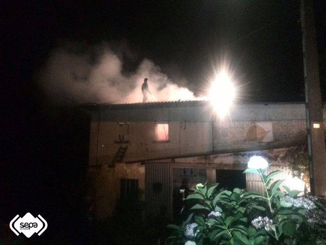 Incendio en Tineo.