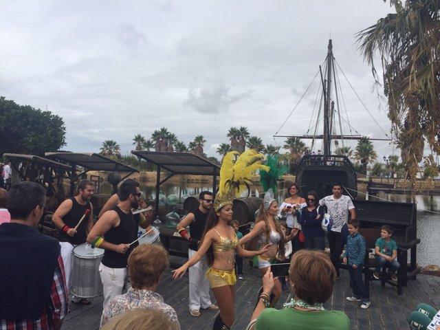Celebración del 12 de octubre en el Muelle de las Carabelas