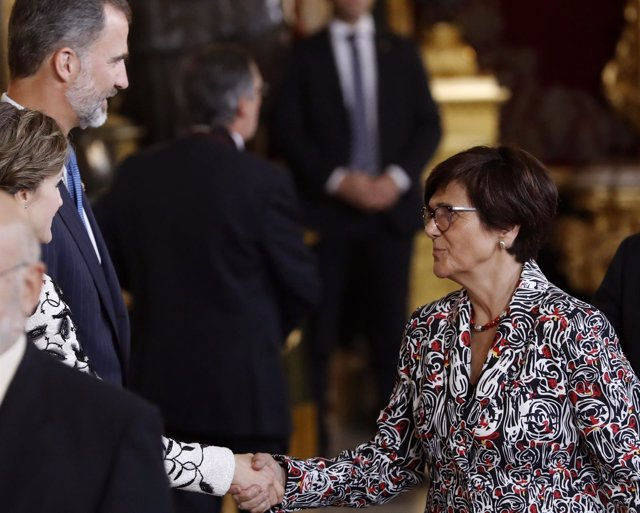 Rosa Peñalver saluda a SM El Rey