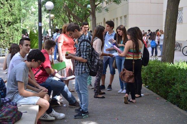 Universitarios, Universidad, examen, estudiantes, jóvenes, estudios