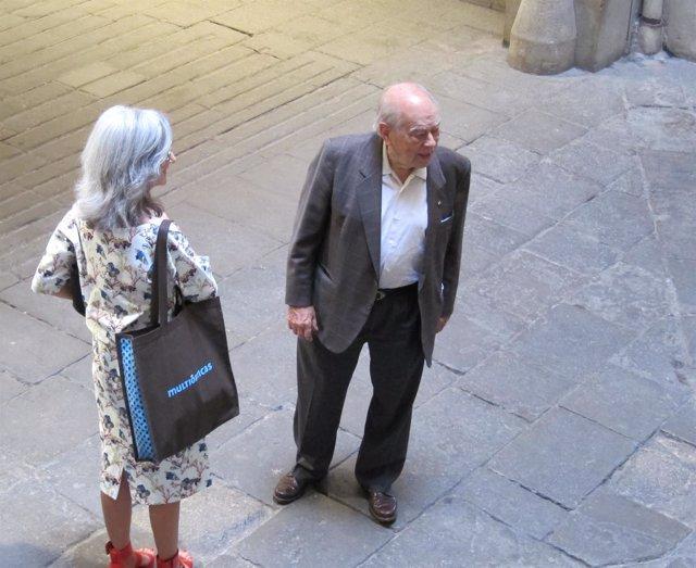 El expresidente Jordi Pujol en la entrada del Ateneu Barcelonès