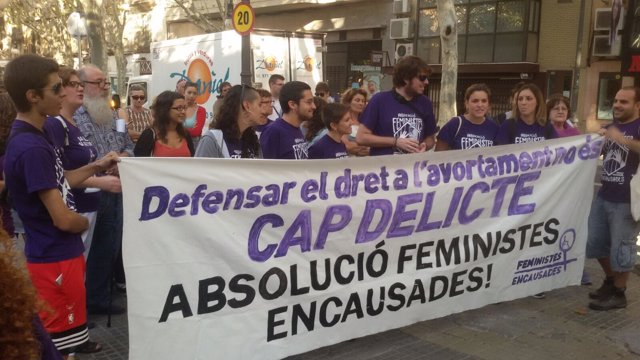 Concentración de apoyo a las feministas encausadas