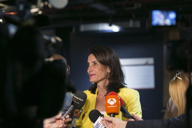 La consejera canaria de Turismo, María Teresa Lorenzo