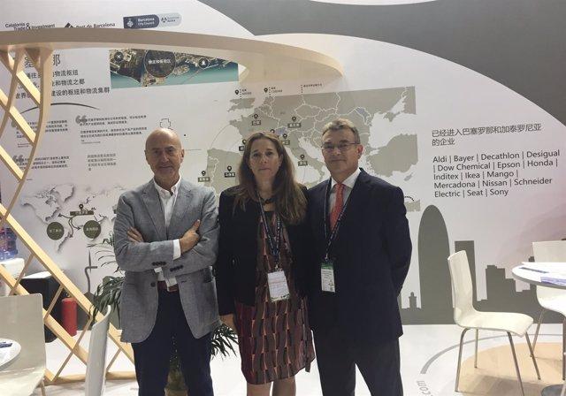 S.Garcia-Milà, E.Cobos y J.Dedeu en el estand del Puerto de Bcn