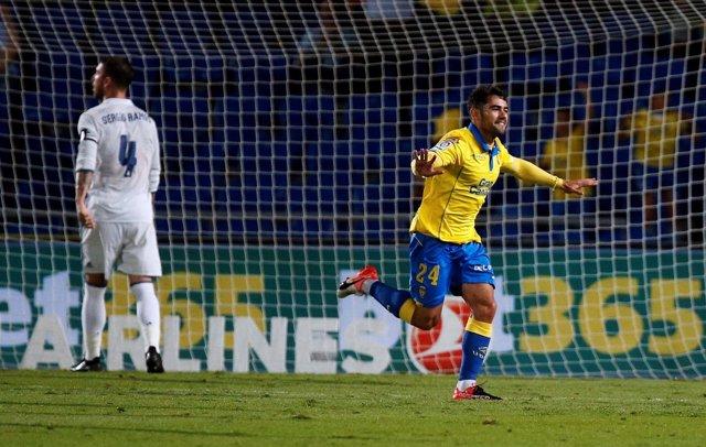 Tana celebra un gol de Las Palmas