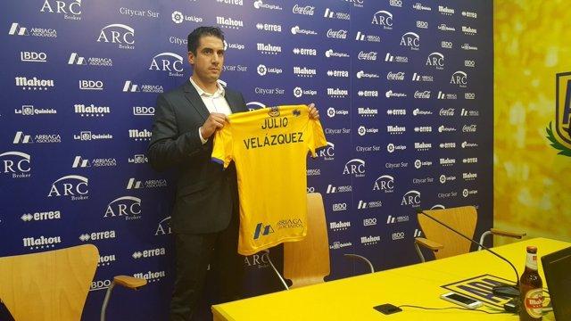 Julio Velázquez, presentado como entrenador del Alcorcón
