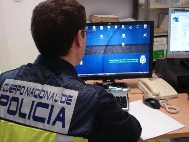 Policía Delitos Por Internet
