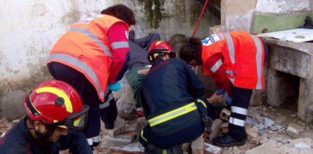 Imagen de la intervención de los Bomberos en el barrio de Girón