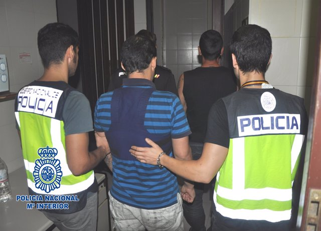 """Nota De Prensa Policial: """"La Policía Nacional Detiene A Los Autores De Treinta Y"""