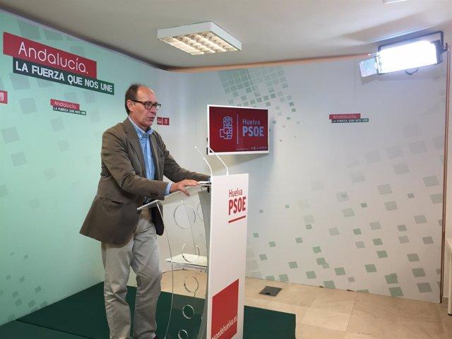 José Juan Díaz Trillo en la sede del PSOE