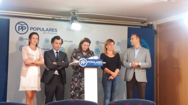 Carmen Crespo junto a los parlamentarios almerienses del PP